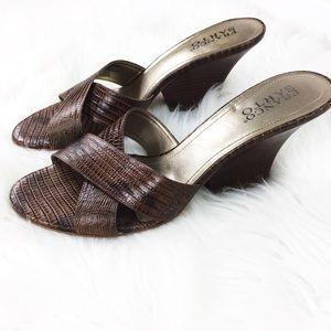 Franco Sarto Brown Open Toe Block Heel Sandals 9.5